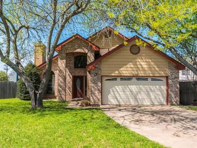 Round Rock Single Family Home For Sale: 2305 Silverleaf Cv