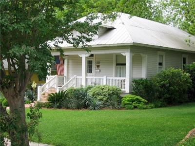 San Marcos Single Family Home For Sale: 221 N Johnson Ave