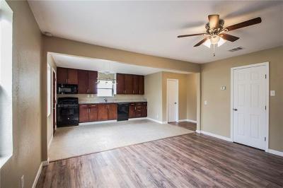 Lockhart Single Family Home For Sale: 1007 Johnson St