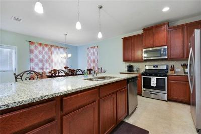 Buda Single Family Home For Sale: 162 Corvid Dr