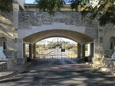 Lago Vista Condo/Townhouse Pending - Taking Backups: 3404 American Dr #3125