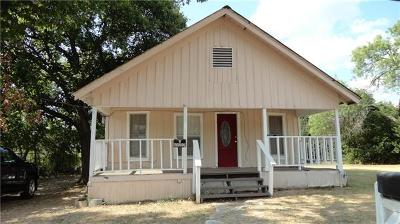 Lockhart Single Family Home For Sale: 711 E Live Oak St