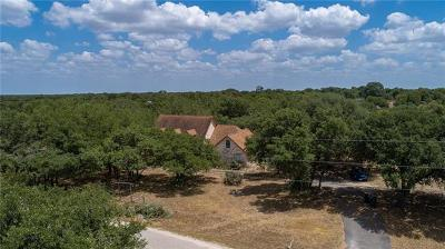 San Marcos Single Family Home For Sale: 200 Woodlands Trl