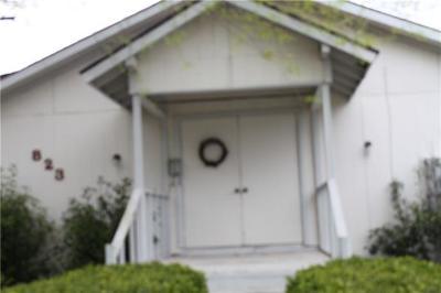 Lockhart Single Family Home For Sale: 823 Monterrey St