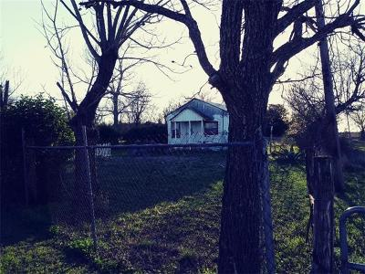 Lockhart TX Single Family Home For Sale: $49,500