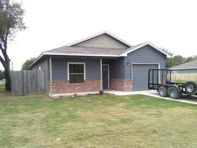 Single Family Home For Sale: 614 Briggs St