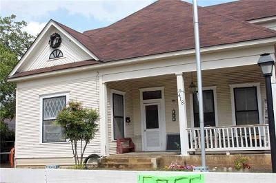 Lockhart Single Family Home For Sale: 418 N Church St