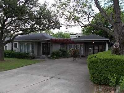 Hutto Single Family Home For Sale: 305 Taylor St