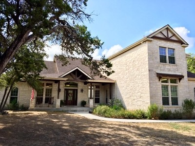 San Marcos Single Family Home For Sale: 1407 Thousand Oaks Loop