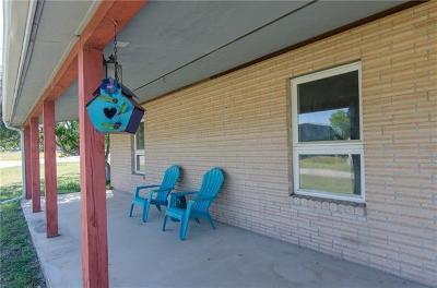 Sunrise Beach TX Single Family Home For Sale: $250,000