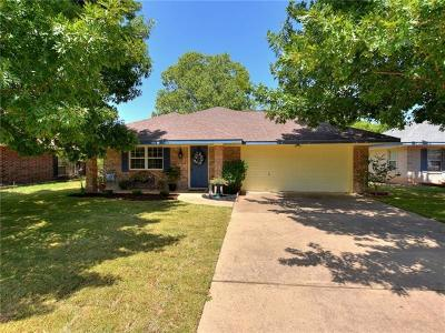 Leander Single Family Home For Sale: 516 Bentwood Dr