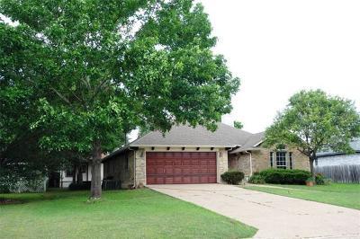 Elgin Single Family Home For Sale: 1306 Meadow Cv