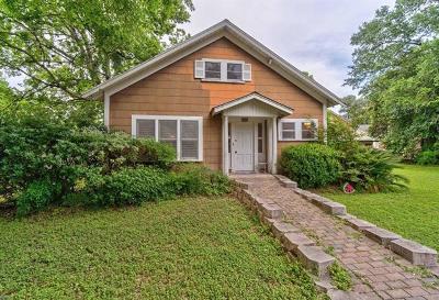 Luling Single Family Home For Sale: 215 E Crockett St