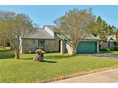 Pflugerville Single Family Home For Sale: 1209 Pigeon Forge Rd