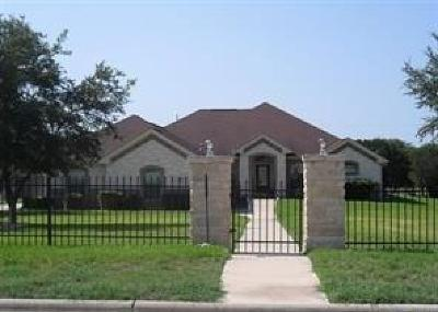 Killeen Single Family Home For Sale: 585 Hickory Dr