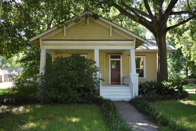Bastrop County Single Family Home For Sale: 401 Turney St