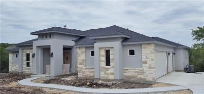 New Braunfels Single Family Home Pending: 722 Shady Holw