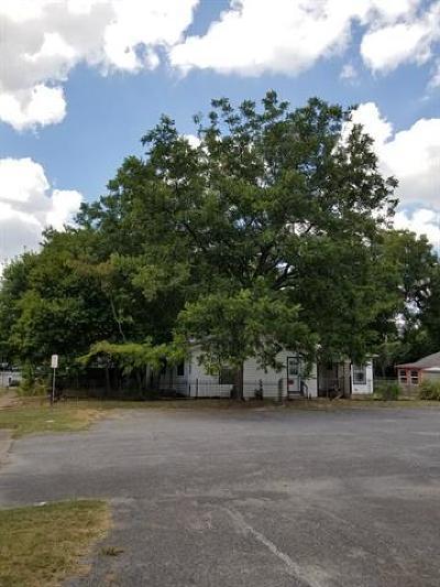 Austin Single Family Home Pending - Taking Backups: 1714 Canterbury St
