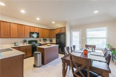 Kyle Single Family Home For Sale: 1020 Desert Rose Cv