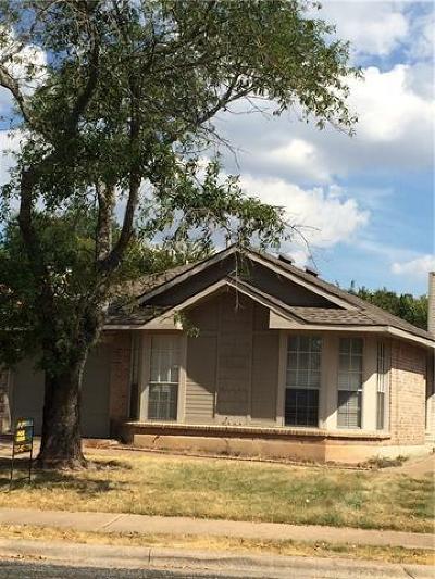Single Family Home For Sale: 16819 Village Oak Loop