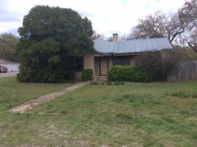 Burnet County Single Family Home For Sale: 215 E Moeller St