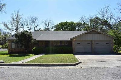 Lampasas Single Family Home For Sale: 508 S Summer St