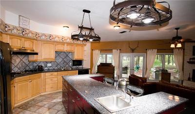 Elgin TX Single Family Home For Sale: $449,900