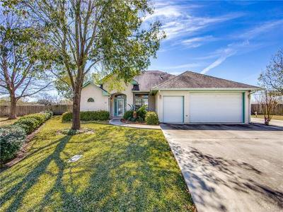 Seguin Single Family Home For Sale: 706 River Oak Dr