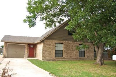 Lockhart Single Family Home For Sale: 821 Ross Cir
