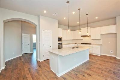 Bastrop Single Family Home For Sale: 337 Chisholm Trl