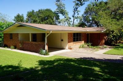 Austin TX Single Family Home For Sale: $650,000