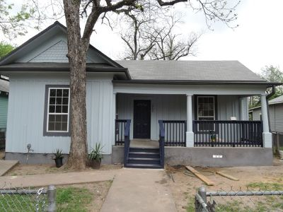 Single Family Home For Sale: 1904 Willow St