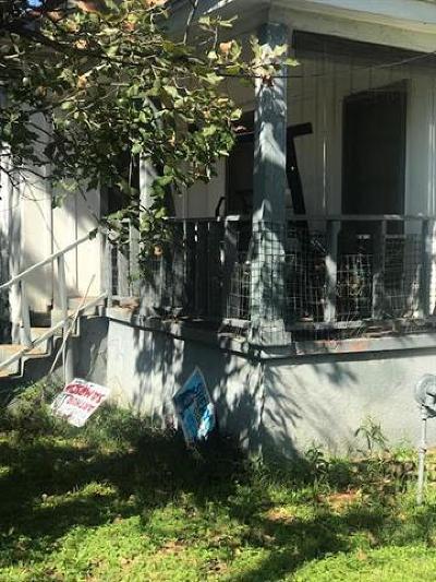 Single Family Home Pending - Taking Backups: 2202 E 12th St