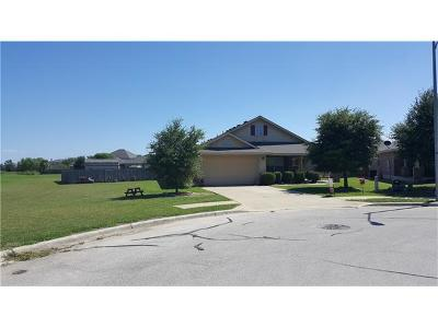 Hutto Single Family Home For Sale: 320 Floating Leaf Dr