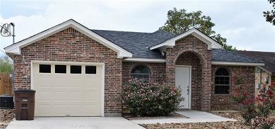 Lockhart Single Family Home For Sale: 1418 Pendergrass St