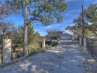 Bell County, Bosque County, Burnet County, Calhoun County, Coryell County, Lampasas County, Limestone County, Llano County, McLennan County, Milam County, Mills County, San Saba County, Williamson County, Hamilton County Single Family Home For Sale: 220 Skyline Dr