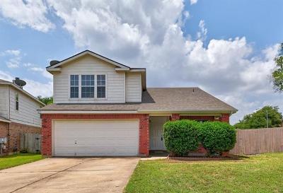 Pflugerville Single Family Home For Sale: 1213 Staple Cv