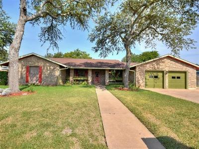 Round Rock Single Family Home For Sale: 1602 Bluff Dr