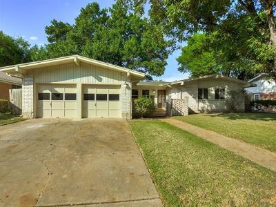 Single Family Home For Sale: 2704 Thrushwood Dr