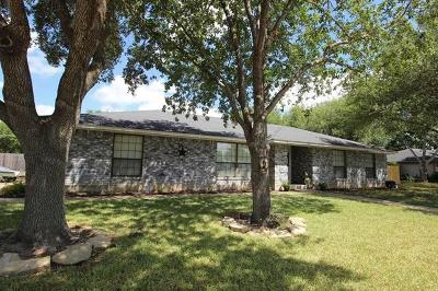 Lockhart Single Family Home For Sale: 1607 Meadow Ln