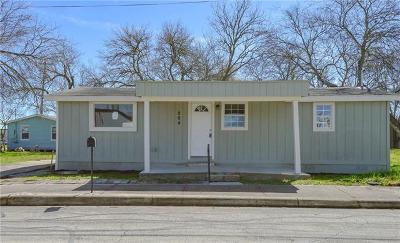 Kinney County, Uvalde County, Medina County, Bexar County, Zavala County, Frio County, Live Oak County, Bee County, San Patricio County, Nueces County, Jim Wells County, Dimmit County, Duval County, Hidalgo County, Cameron County, Willacy County Single Family Home For Sale: 204 W Langley Blvd