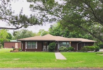 Elgin Single Family Home For Sale: 1122 W 2nd St