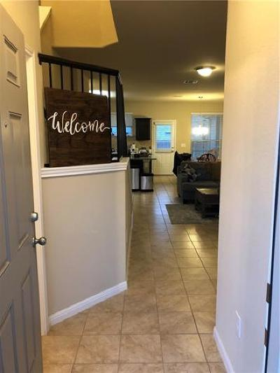 Pflugerville Condo/Townhouse For Sale: 407 Crater Lake Dr