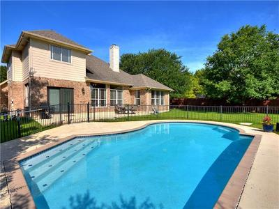 Round Rock Single Family Home For Sale: 2301 Falkirk Cv
