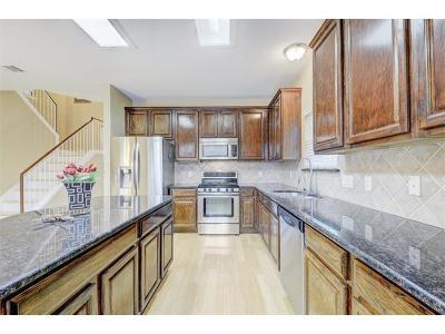 Austin TX Single Family Home For Sale: $329,000