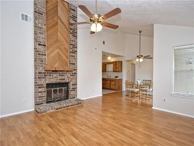 Austin Condo/Townhouse For Sale: 11613 Norwegian Wood Dr