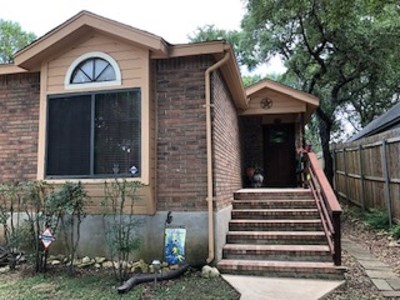 San Marcos Single Family Home For Sale: 613 Clyde Ct