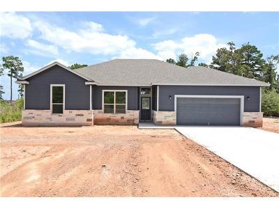 Bastrop Single Family Home For Sale: 164 Comanche Dr