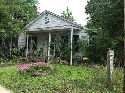 Giddings Single Family Home For Sale: 472 E Brenham St
