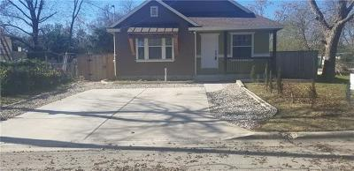 Single Family Home For Sale: 733 Neches St